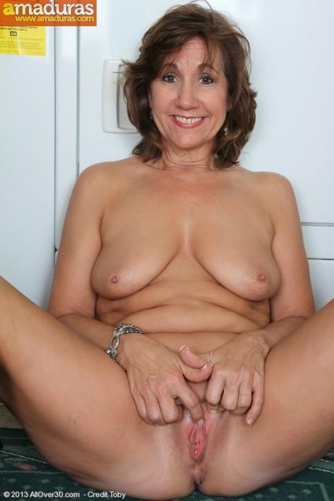 Ama de casa se desnuda al poner una lavadora - foto 16