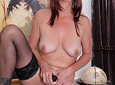 Secretaria madura llega a casa y se masturba - foto 12