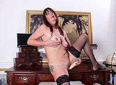 Secretaria madura llega a casa y se masturba - foto 14