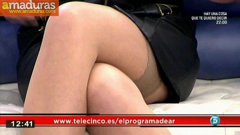 Olvido Hormigos con medias super sexys - foto 4