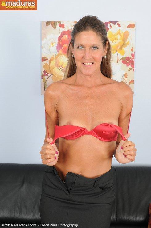 Madurita caliente se apunta a los contactos porno - foto 5