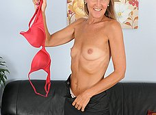 Madurita caliente se apunta a los contactos porno - foto 6