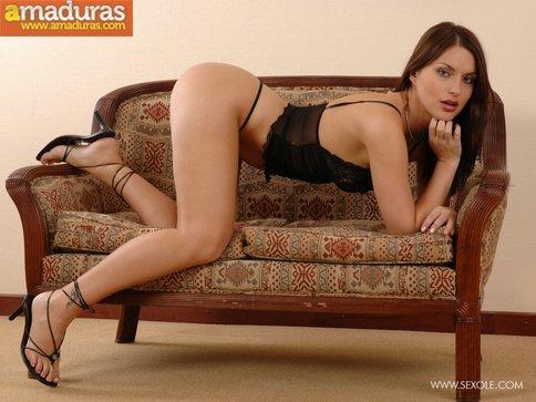 Zorrita culona en lenceria sexy se desnuda - foto 5