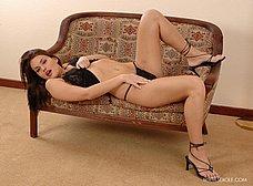 Zorrita culona en lenceria sexy se desnuda - foto 14