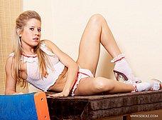 Treintañera de cuerpo atlético se quita la ropa - foto 6