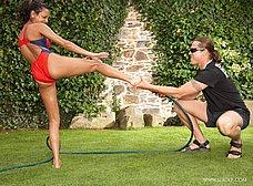 Juegos eroticos con el jardinero acaban en follada - foto 7