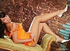 La maciza del vestido naranja - foto 8