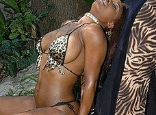 Diosa de ébano: menudas tetazas - foto 9