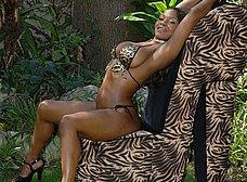 Diosa de ébano: menudas tetazas - foto 10