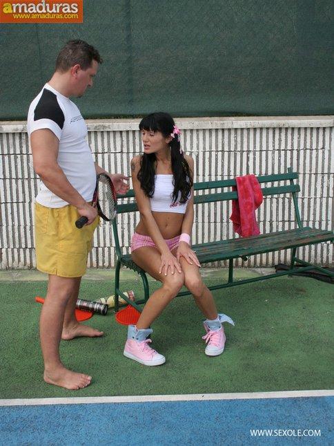 Follada anal en el partido de tenis - foto 1