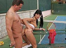 Follada anal en el partido de tenis - foto 10
