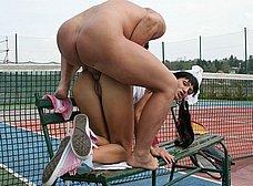 Follada anal en el partido de tenis - foto 13