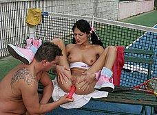 Follada anal en el partido de tenis - foto 15