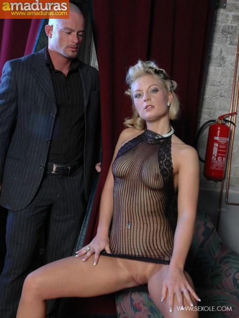 Haciendole un show privado a su jefe mafioso - foto 2
