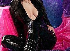 Las tetazas de la mujer del traje negro - foto 9