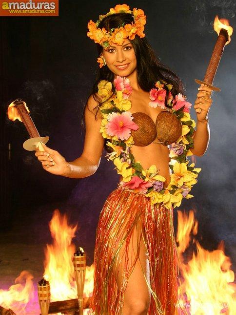 Amazona polinesa con ganas de follar - foto 1