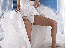 A punto de casarse nos enseña el coñito - foto 8