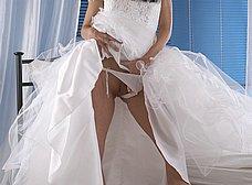 A punto de casarse nos enseña el coñito - foto 11