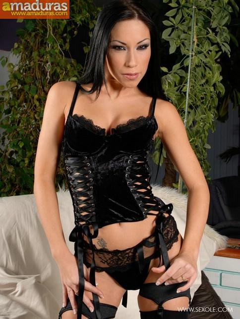 ¿Te dejarias dominar por una diosa asi? - foto 1