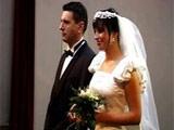 Recien casados y ella ya anda siendo infiel