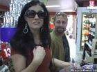 Se liga a una madurita casada en el supermercado