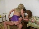La viciosa tia madura se folla a su sobrino haciendo sexo incesto