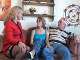 Matrimonio de jubilados en su primer trio - Varios