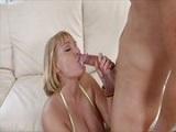 Si no conoces a Mellanie Monroe mira este vídeo porno y te vas a enamorar