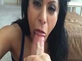 La mexicana Gabby Quinteros comiéndose una buena polla