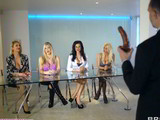Orgía de pornostars contra la polla de un solo actor pornográfico - Orgias Gang Bang
