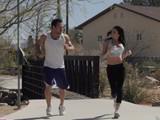 Mujer runner sale todos los días a la calle para buscar pollas nuevas - Contactos Porno