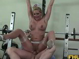 Phoenix Marie tiene sexo en el gimnasio del hospital