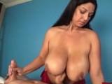 El truco sexual de la masajista para enganchar a sus clientes - Tetonas
