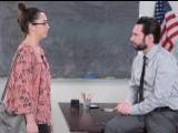 Gracias a la madre el profesor no se folla a la hija