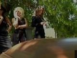 Viuda insolente se folla al enterrador del cementerio - Viudas Cachondas