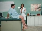 Médica cura sexualmente una intoxicación por Viagra