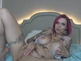La tatuada Anna Bell Peaks nos regala un show en la webcam