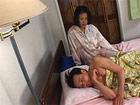 Madura asiatica despierta a su marido para follar