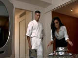 El semental Ramon Nomar se folla a la guapa empleada del hotel - Cuarentonas