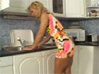 Porno con mama en la cocina
