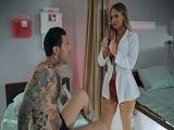 Con una enfermera así también me pongo malo yo..