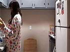 Empiezan en la cocina y follan por toda la casa