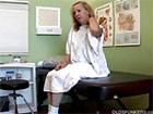 Madura muy zorra se folla al joven ginecólogo