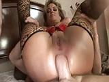 A la madura le encanta el buen sexo anal