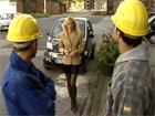 Madura follada por dos obreros de la construcción