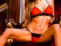 Juego de bikini rojo y negro