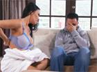 Casada tetona seduce a un amigo de su hijo