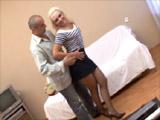 Video gratis de dos maduras calientes y salidas follando con sus amantes